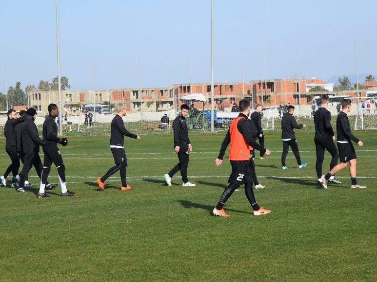 Представителният отбор на Локомотив (Пловдив) ще изиграе утре (27.01) втората