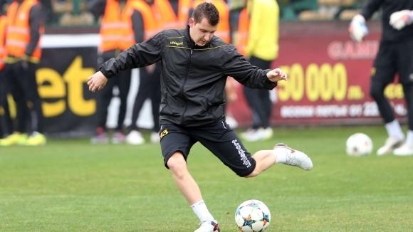 Тодор Неделев коментира ситуацията с контузията на коляното, която получи.