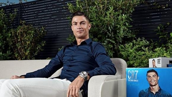 Футболната суперзвезда Кристиано Роналдо стана първата личност в света с