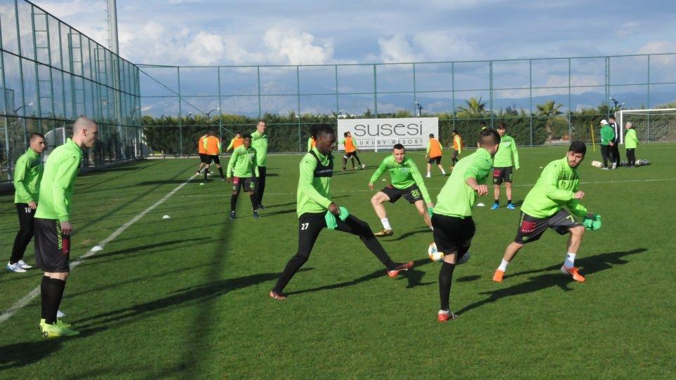 Играчите на Берое продължиха своята подготовка с две тренировки днес.