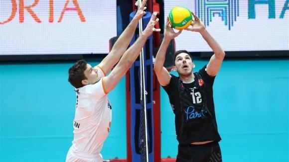 Разпределителят на националният ни волейболен отбор Георги Сеганов и неговият