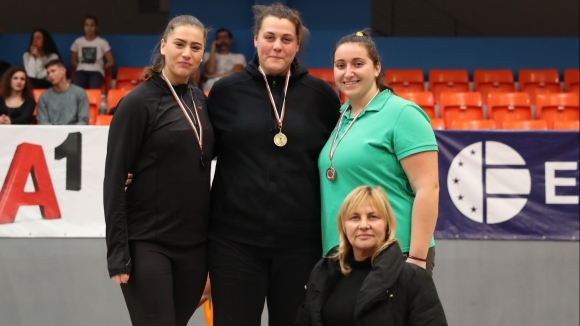 Яна Копчева (Тракия-Пловдив) спечели първата си национална титла в тласкането