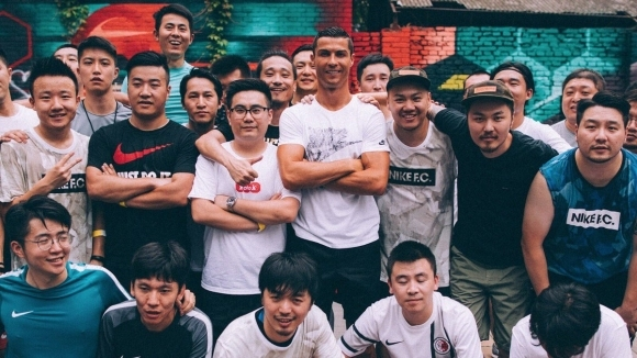 Двама корейци спечелиха дело срещу организатор на футболен мач на