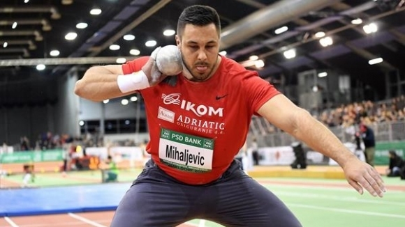 Бронзовият медалист в тласкането на гюле в зала от Портланд