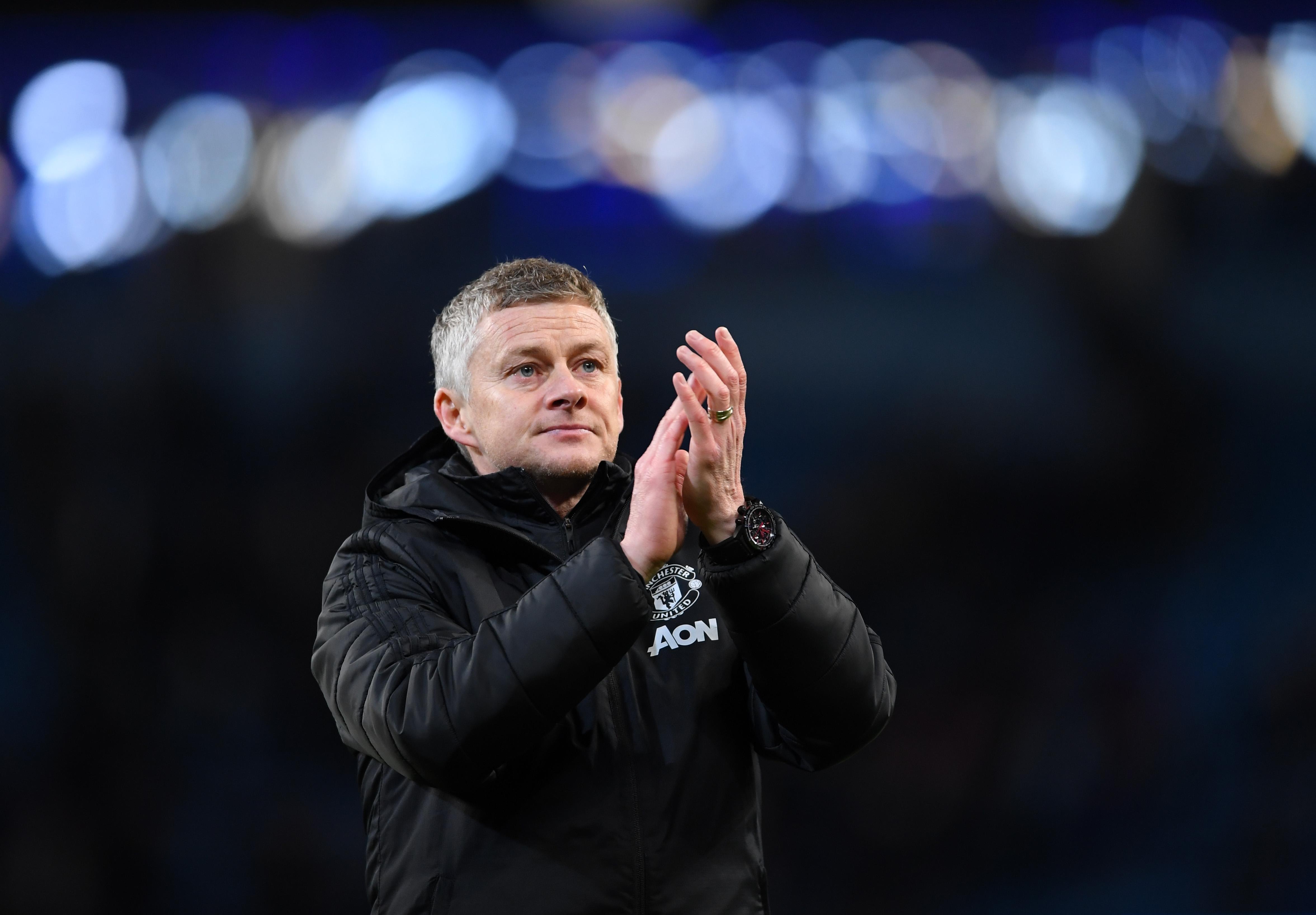 Оле Гунар Солскяер и ръководството на Манчестър Юнайтед ще продължат