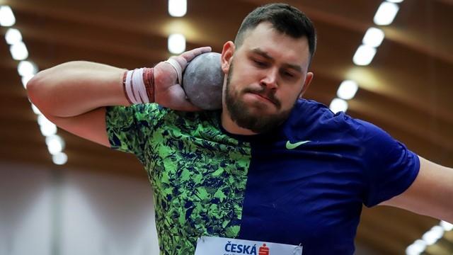 Европейският шампион в тласкането на гюле в зала от Белград