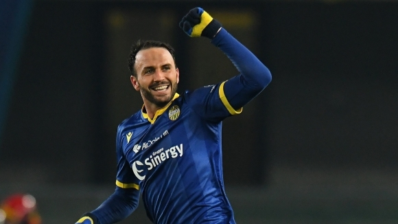 Отборите на Верона и Ювентус играят при резултат 0:1 на