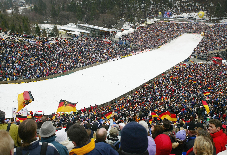 Днешното второ състезание от програмата на Световната купа по ски-скок