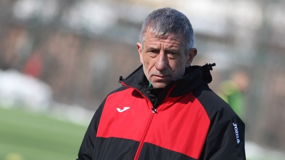 Старши треньорът на Локомотив (София) Ради Здравков говори след победата
