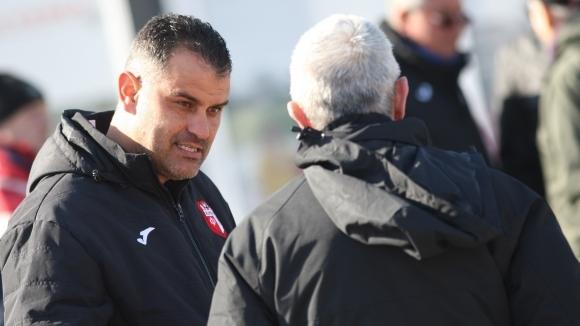 Треньорът на Кариана (Ерден) Веселин Великов изрази задоволство от контролата