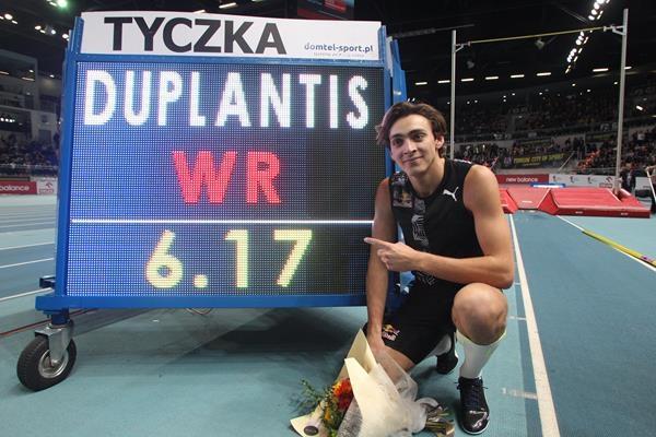 Арманд Дуплантис е новият световен рекордьор в овчарския скок при