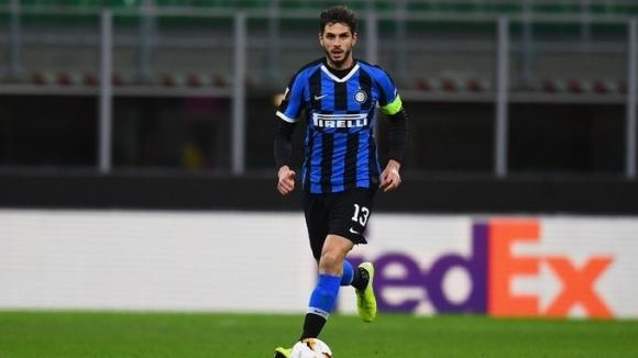 Защитникът на Интер Андреа Ранокия се настройва за голямото дерби