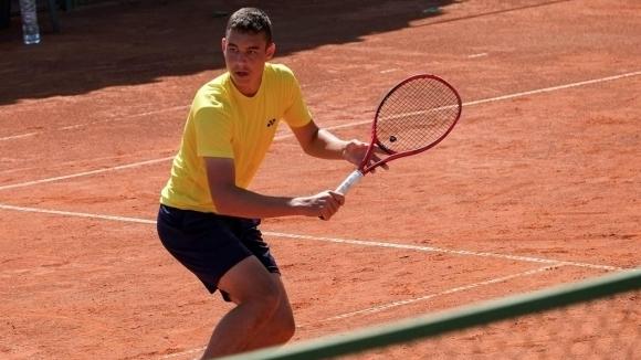 Динко Динев е един от най-проспериращите млади български тенисисти. През