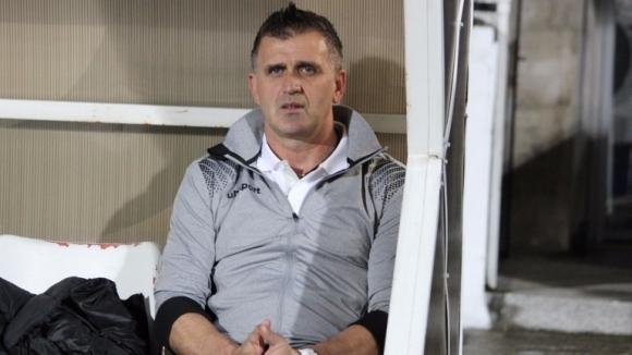 Наставникът на Локомотив (Пловдив) Бруно Акрапович пое изцяло вината за