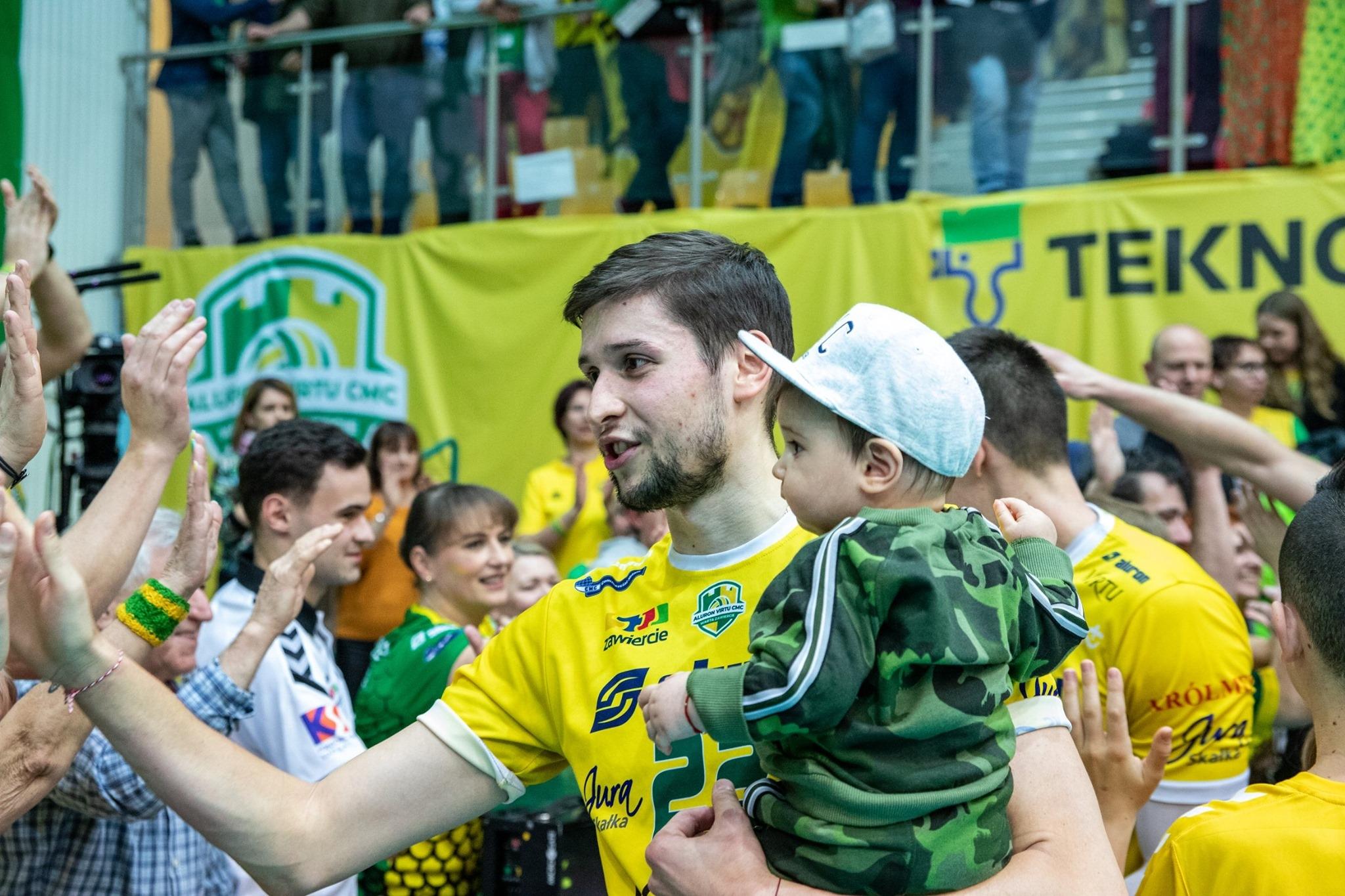 Волейболният национал Николай Пенчев записа страхотно постижение в Полша! Ники