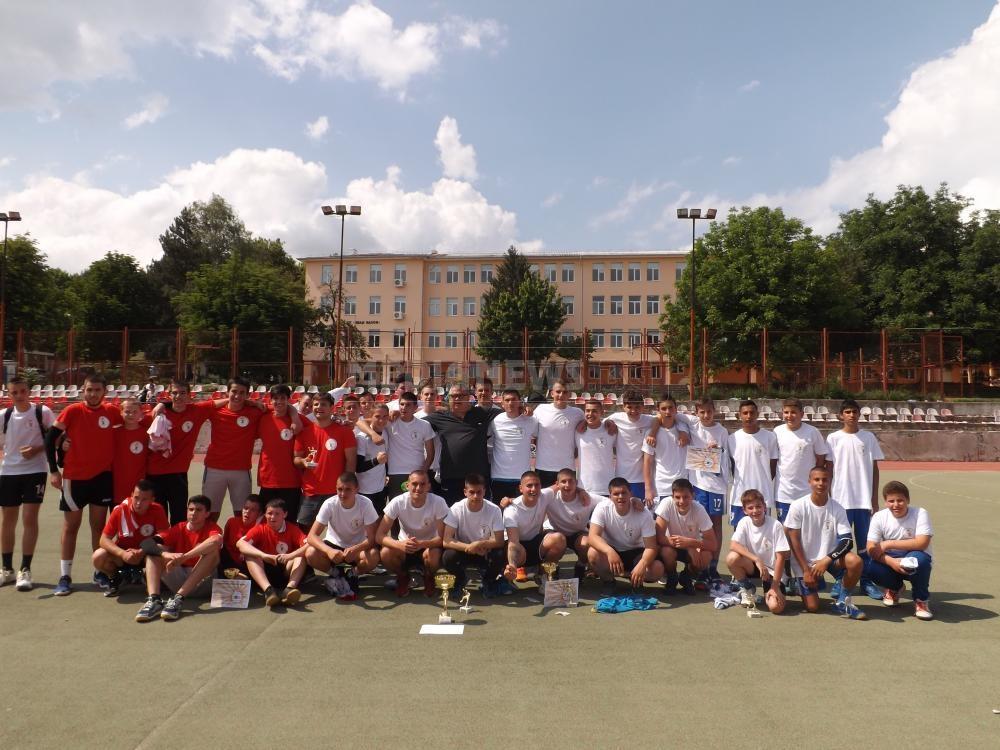 Юношите старша възраст на ХК Локомотив (Мездра) станаха победители във