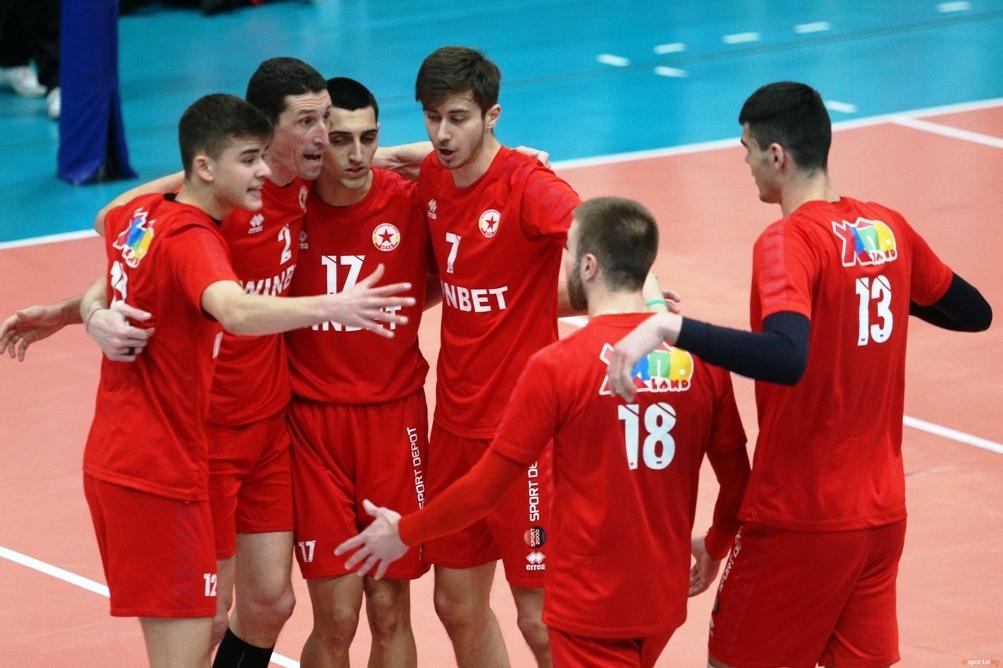 Волейболистите на ЦСКА надиграха много трудно и драматично като домакини
