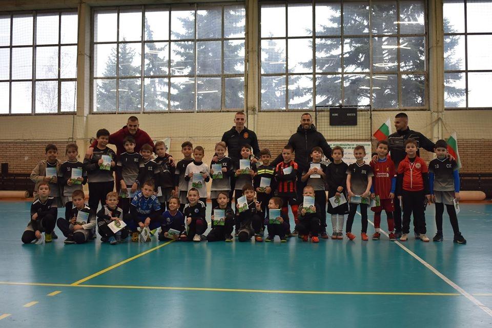 1000 лв. се събраха от благотворителния футболен турнир, организиран от