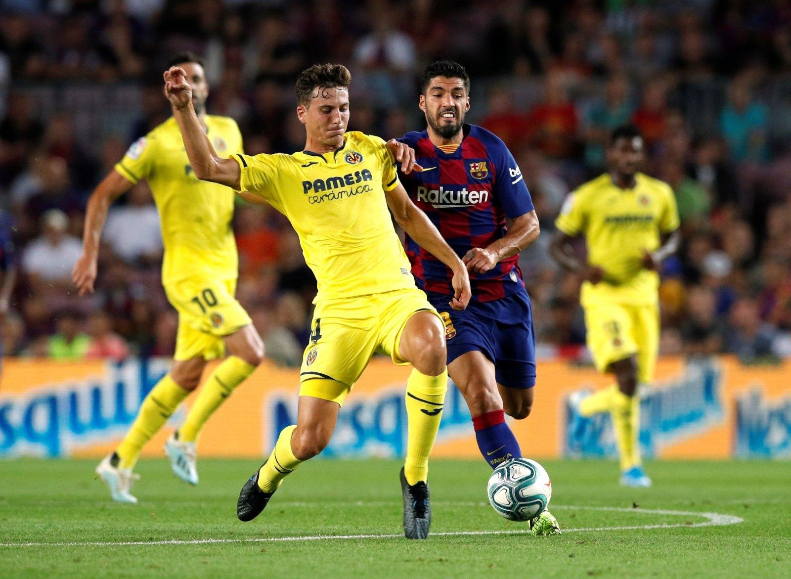 Испанският шампион Барселона проявява интерес към централния защитник Пау Торес