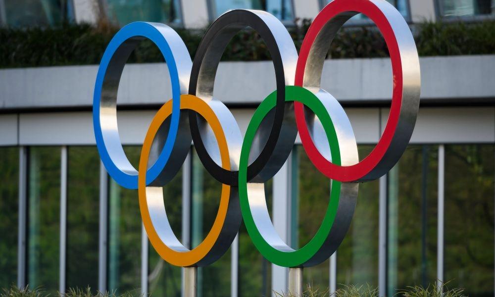 Комисията на спортистите към Международния олимпийски комитет (МОК) подкрепя решението