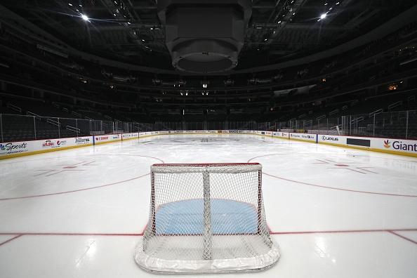 Националната хокейна лига (НХЛ) на САЩ и Канада препоръча на