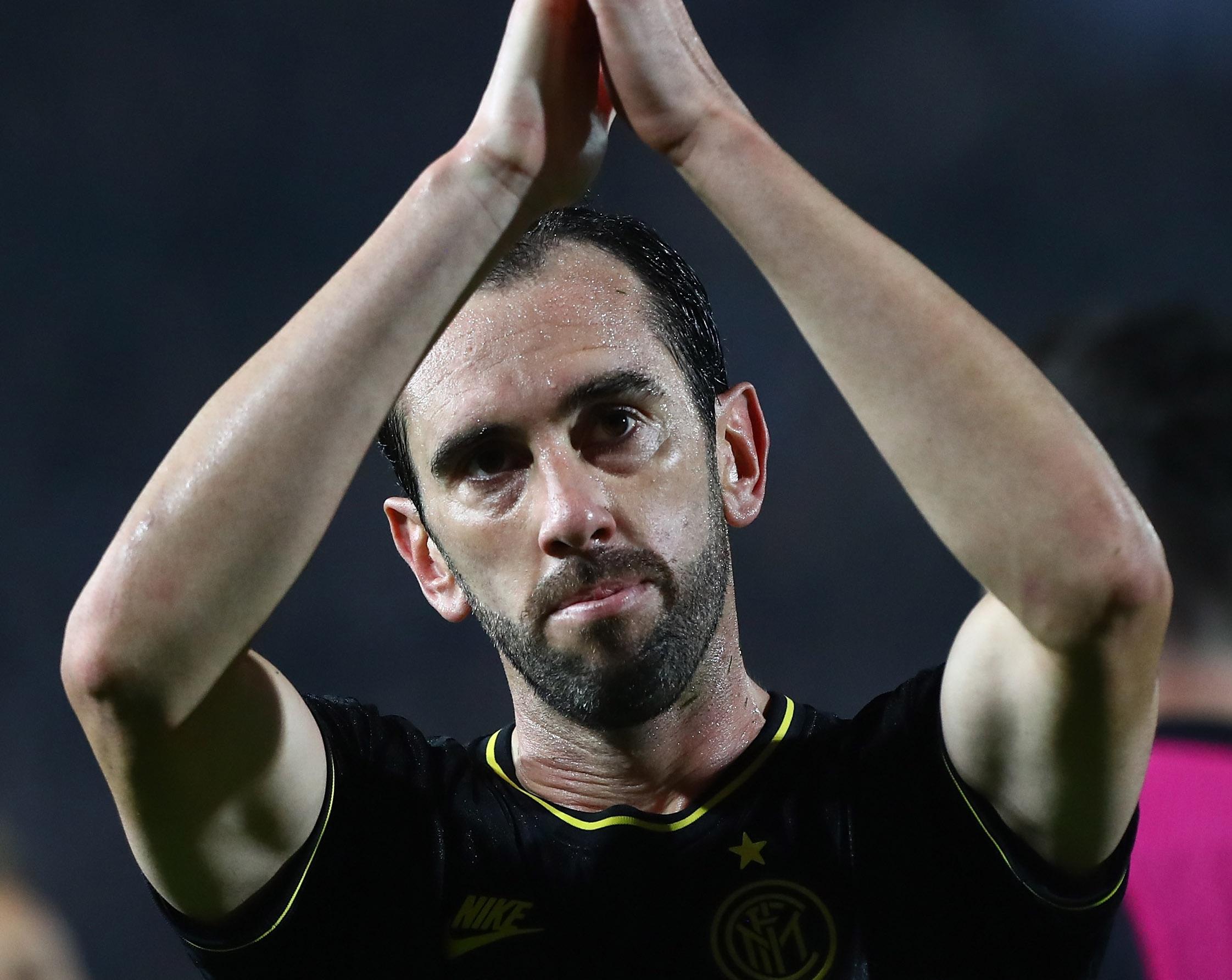 Осем от чуждестранните играчи на Интер получиха разрешение да напуснат