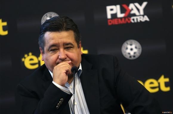 Генералният секретар на ПФЛ Атанас Караиванов лансира нов вариант за