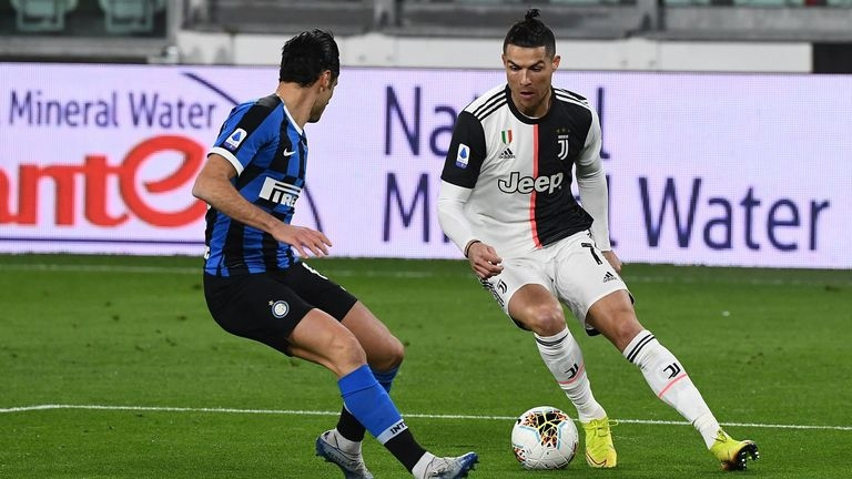 Лично президентът на Италианската футболна федерация гарантира, че настоящият сезон