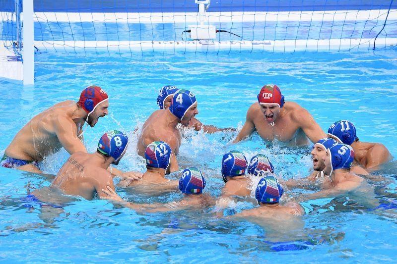 Мъжкият национален отбор по водна топка на Италия пуска шампионските