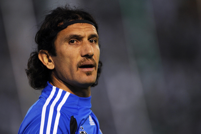 Легендарният бивш турски вратар Рюстю Речбер е настанен в болница
