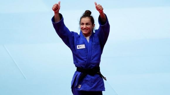 Олимпийската шампионка на Косово в джудото Майлинда Келменди приветства отлагането