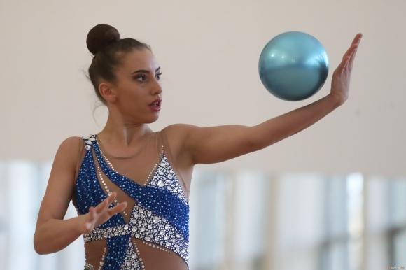 Една от водещите ни гимнастички в индивидуалното Катрин Тасева намери