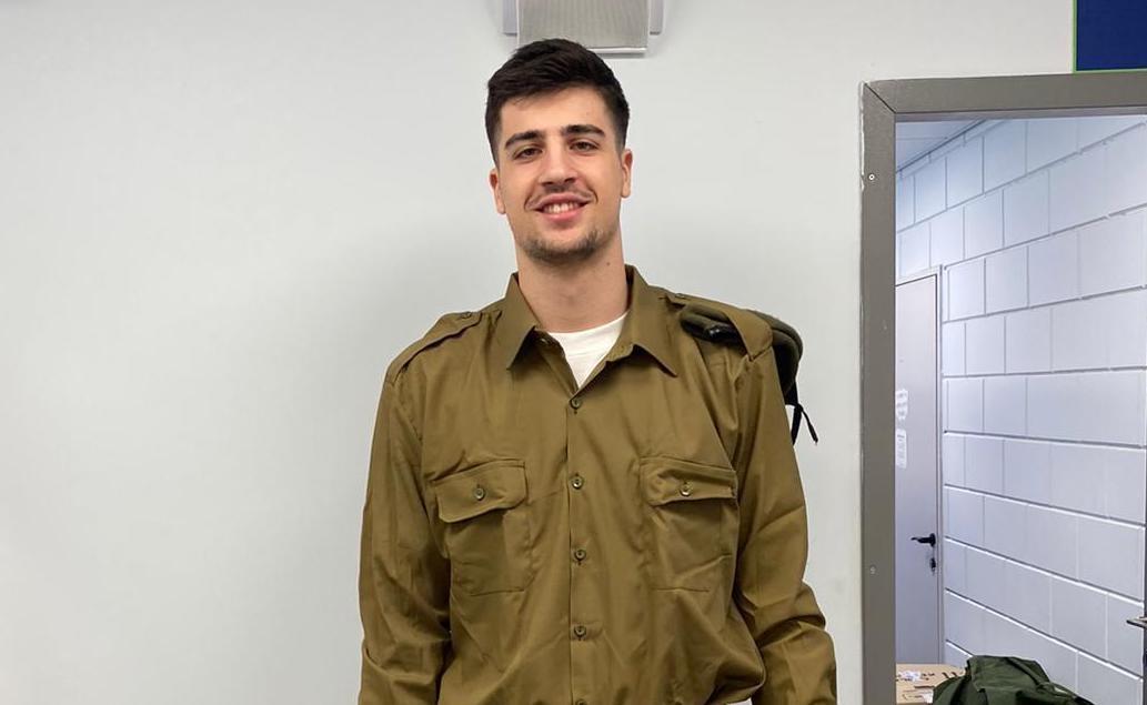 Лекото крило на Макаби (Тел Авив) Дени Авдия се присъедини