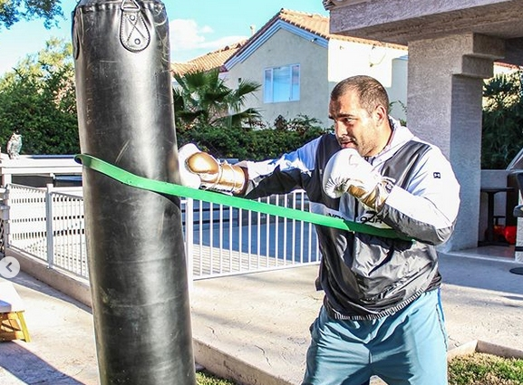 Благой Иванов продължава подготовката си за сблъсъка с Аугусто Сакаи.