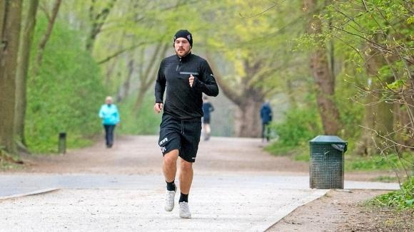 Защитникът на Кьолн Рафаел Чихос се възстановява по-бързо от очакваното