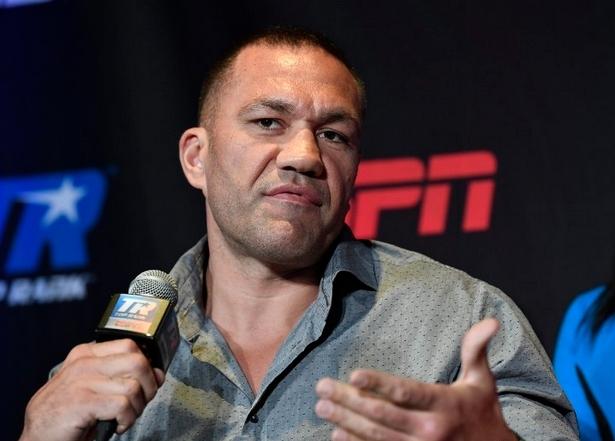 Българската звезда на професионалния бокс Кубрат Пулев обяви, че ще