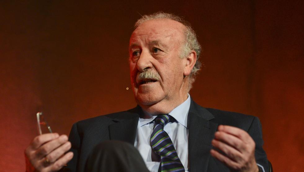 Легендата на Испания и Реал Мадрид Висенте дел Боске даде