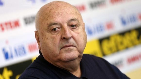 Президентът на Славия Венцеслав Стефанов се спря пред репортерите в