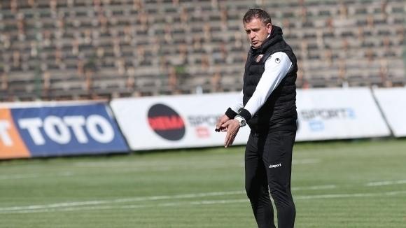 Старши треньорът на Локомотив (Пловдив) Бруно Акрапович коментира пред македонския