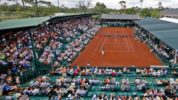 В разгара на пандемията на новия коронавирус не само тенис