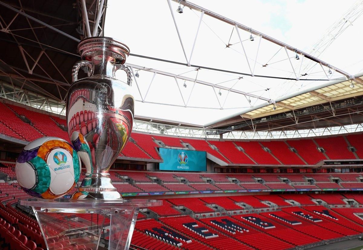 УЕФА е започнала преговори със съответните футболни федерации за промяна