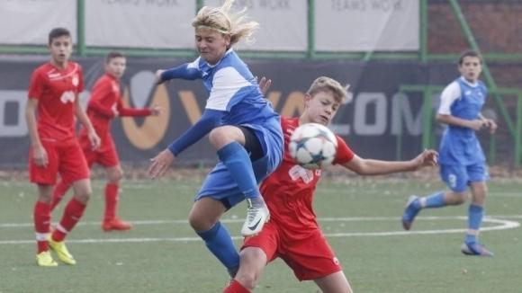 16-годишният талант от школата на Левски Даниел Начев е получил