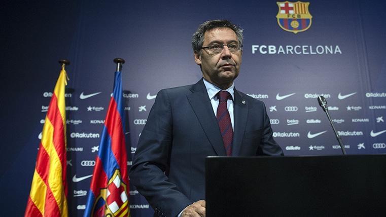 Каталунският Diario Sport публикува ексклузивно, че Барселона обмисля варианта да