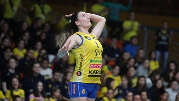 Волейболистката на Марица (Пловдив) Емилия Димитрова даде интервю пред авторитетния