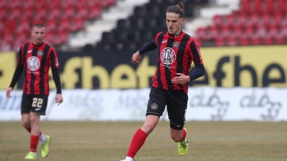 Локомотив (Пловдив) е набелязал атакуващия футболист на Локомотив (София) Илиян