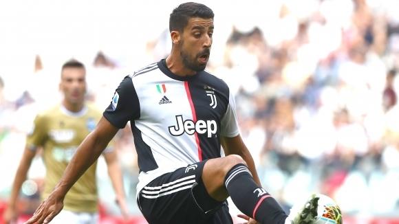 Италианският шампион Ювентус планира да продаде полузащитника Сами Кедира, съобщава