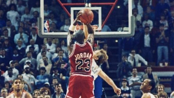 На 7 май 1989-а Майкъл Джордан нанизва една от най-известните