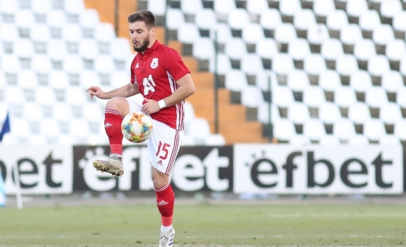 Халфът Кристиян Малинов ще стане втори капитан на ЦСКА-София. В