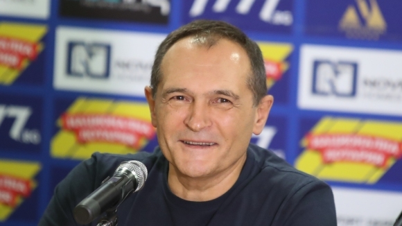 Благодетелят на ПФК Левски Васил Божков продължава да се подиграва