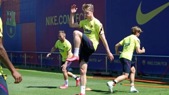 Испанският шампион Барселона тренира от около две седмици, подготвяйки се